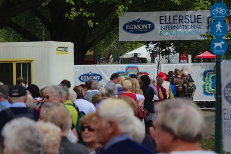 Crowds at Ellerlsie